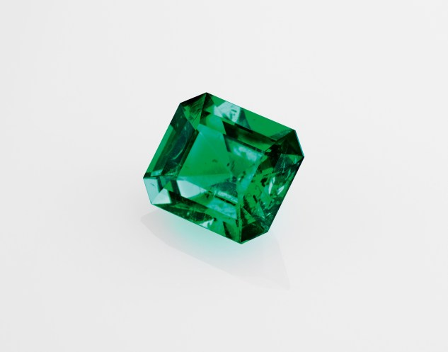 One octagonal emerald of 3.28 carats (Colombia).